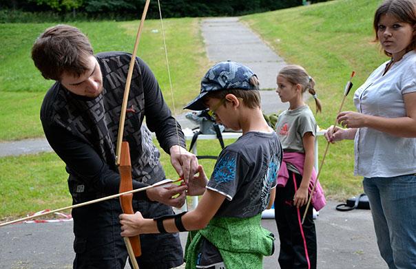 Dětský oddíl se zaměřuje na hry a střelbu